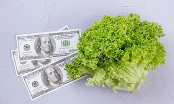 Что общего между зарплатой и салатом?